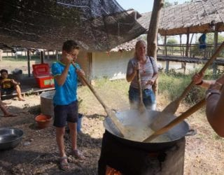 eten klaarmaken voor de olifanten