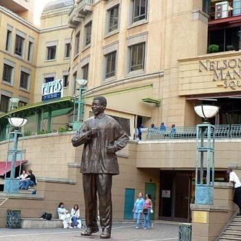 standbeeld Nelson Mandela
