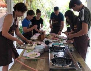 Thaise kookles met kinderen