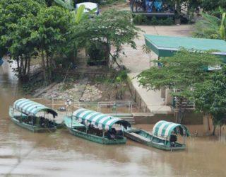 Mekong rivier met kinderen