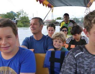 Op de boot met kinderen