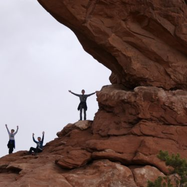 kinderen in Arches National Park
