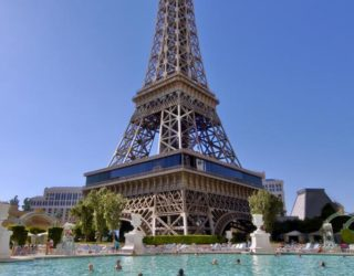 Eiffeltoren in Las Vegas: hotel + zwembad
