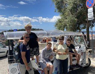 Met de familie op de tuktuk