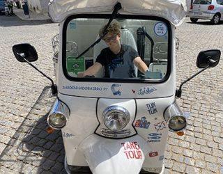 Wolf op de elektrische tuktuk