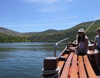 Met een unieke houten boot door Portugal