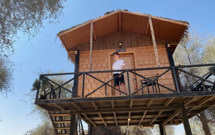 Slaap in een boomhut of luxe Iglo tent midden in de woestijn